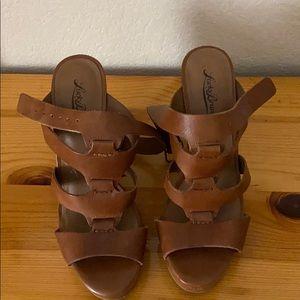 lucky brand tan heels